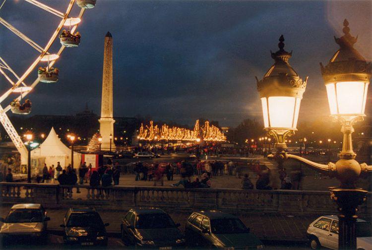 800px-Paris_Concorde_Nuit
