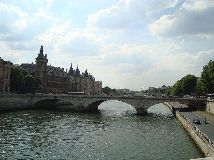 800px-Pont_au_Change